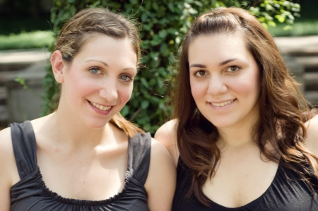 Jessica (left) and Amy (right) Cowin share a special bond through living donation