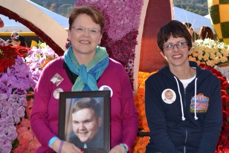 Vivian on the 2013 Donate Life Rose Parade Float!