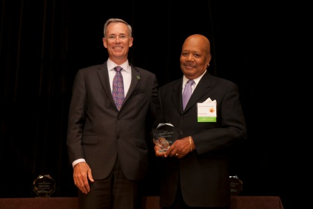 Charles Kittles with Gift of Hope CEO Kevin Cmunt receiving a Lifesaving Partners award.