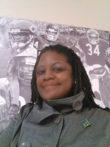 Lisa in front of a memorial to another great organ donation advocate, Walter Payton.